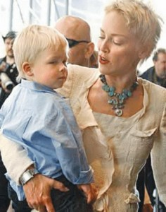 Sharon Stone - stil vestimentar natural
